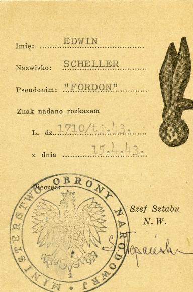 Legitymacji upoważniającej do noszenia Znaku Spadochronowego AK wystawiona na nazwisko Edwina Schellera, 1943. Ze zbiorów Teresy Jolanty Pajewskiej Scheller.