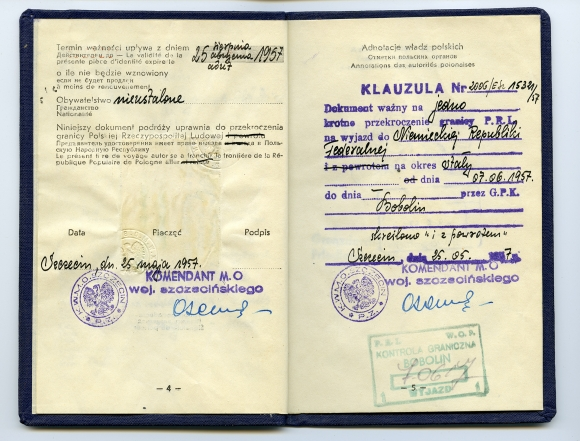 Dokument podróży umożliwiający szczeciniance Renate Jachow wyjazd do Niemiec w 1957 r. Z uwagi na to, że jej ojciec był potrzebnym w stoczni fachowcem rodzina nie została wysiedlona tuż po wojnie. Ze zbiorów Renate Jachow.