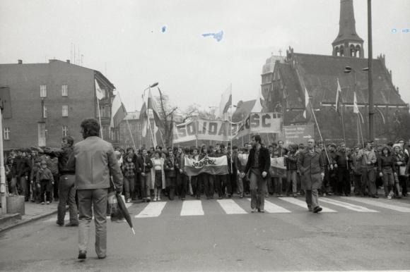 """Pochód zwolenników """"Solidarności"""